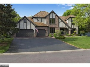 13644 Duluth Drive Apple Valley, Mn 55124