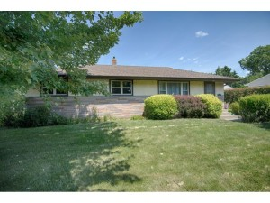 231 County Road C2 W Roseville, Mn 55113