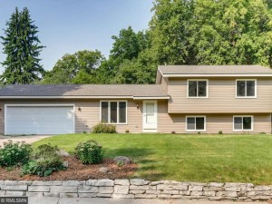 2919 Hazelwood Lane Mound, Mn 55364