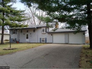 304 Pinewood Drive Apple Valley, Mn 55124