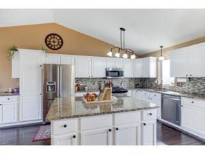 9140 Jergen Bay S Cottage Grove, Mn 55016