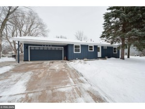 1079 Whitney Drive Apple Valley, Mn 55124