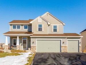 2049 Winterberry Lane Shakopee, Mn 55379