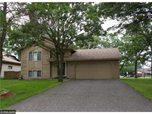 221 112th Lane Nw Coon Rapids, Mn 55448