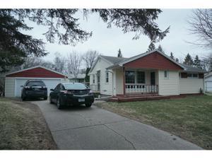 815 Bartelmy Lane N Maplewood, Mn 55119