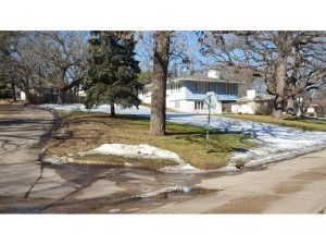 5512 Brook Drive Edina, Mn 55439