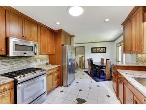 1312 Burke Avenue W Roseville, Mn 55113