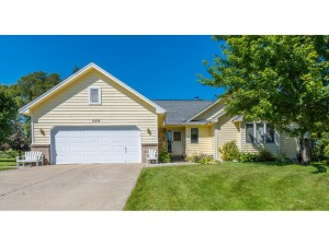 358 Highwood Drive Circle Chaska, Mn 55318