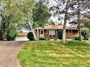 633 Granite Avenue N Oakdale, Mn 55128