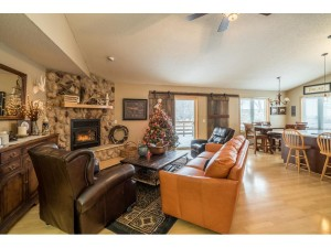 817 86th Lane Nw Coon Rapids, Mn 55433