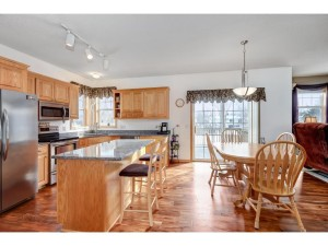 17225 Fairmeadow Way Lakeville, Mn 55024