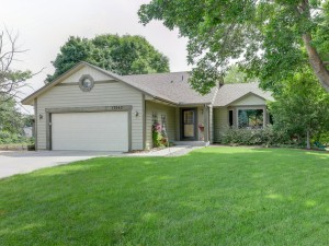 17362 Ithaca Court Lakeville, Mn 55044