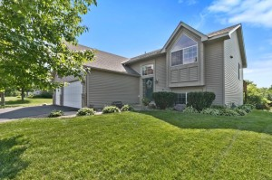 13795 Hill Place Drive Rogers, Mn 55374
