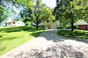 1708 County Road C E Maplewood, Mn 55109