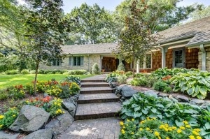 15 Lily Pond Road North Oaks, Mn 55127