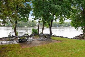 509 W River Parkway Champlin, Mn 55316