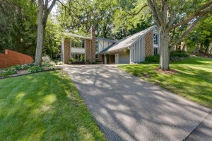 128 Chaparral Drive Apple Valley, Mn 55124