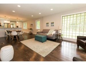 218 County Road C W Roseville, Mn 55113