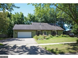 1076 Whitney Drive Apple Valley, Mn 55124