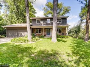 15900 N Hillcrest Court Eden Prairie, Mn 55346