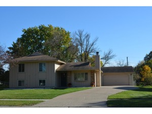 848 Whitney Drive Apple Valley, Mn 55124