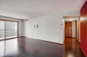1225 Lasalle Avenue Unit 1104 Minneapolis, Mn 55403