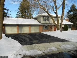 1504 Chateaulin Lane Burnsville, Mn 55337