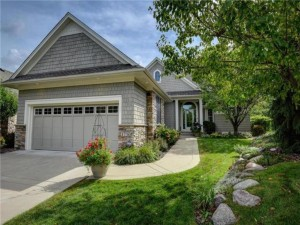 1730 Waterford Court Golden Valley, Mn 55422