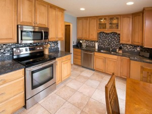 2740 Queensland Lane N Plymouth, Mn 55447