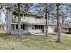 6916 Hill Place N Crystal, Mn 55427