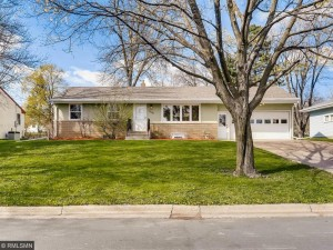 1035 Edgewater Avenue Shoreview, Mn 55126
