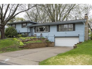 8016 32nd Place N Crystal, Mn 55427