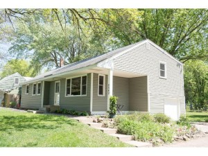2540 Clarence Street Maplewood, Mn 55109