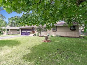 2713 Woodbridge Street Roseville, Mn 55113
