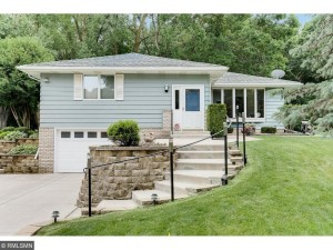 1720 Rosewood Avenue S Maplewood, Mn 55109