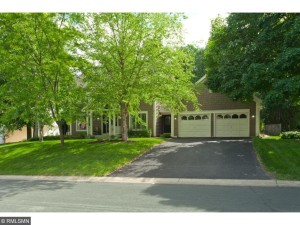8251 Narcissus Street Victoria, Mn 55386