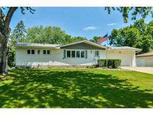 593 Ione Avenue Ne Spring Lake Park, Mn 55432