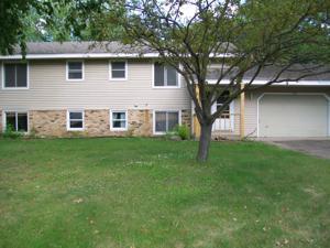 10371 Hummingbird Street Nw Coon Rapids, Mn 55433