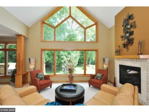 4090 Pipewood Court Chanhassen, Mn 55331