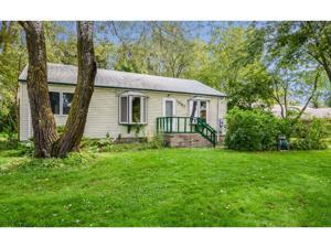 1387 Hadley Avenue N Oakdale, Mn 55128