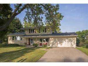 3454 Chatsworth Street N Shoreview, Mn 55126