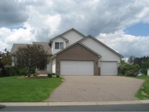 15864 Vale Street Nw Andover, Mn 55304