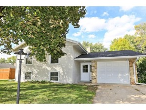 827 Whitney Drive Apple Valley, Mn 55124