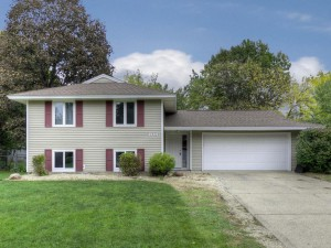 1047 Lowell Drive Apple Valley, Mn 55124