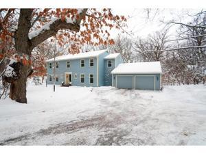 142 W Pleasant Lake Road North Oaks, Mn 55127