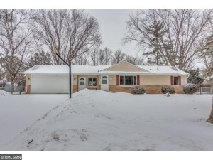 415 Laurie Road E Maplewood, Mn 55117