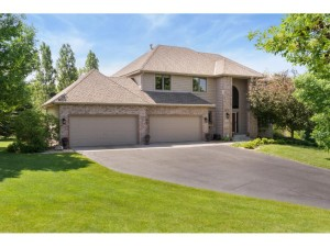 5086 Country Circle Greenfield, Mn 55357