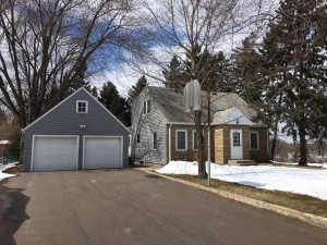 2251 Hendry Place Maplewood, Mn 55117