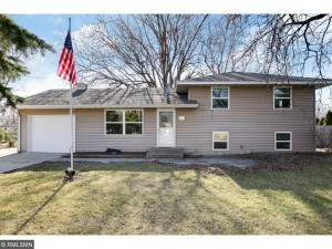132 Hayes Road Apple Valley, Mn 55124