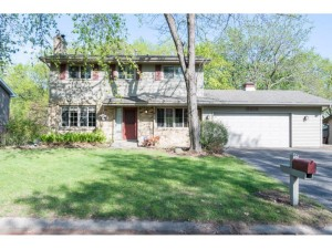 6802 Deerwood Lane N Maple Grove, Mn 55369
